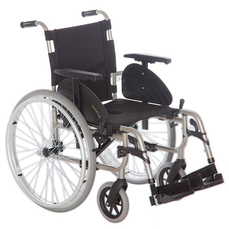 Very light and manageable; with removable wheels to move easily.